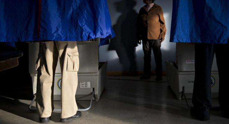 Americas Electronic Voting Machines Are Sitting Ducks