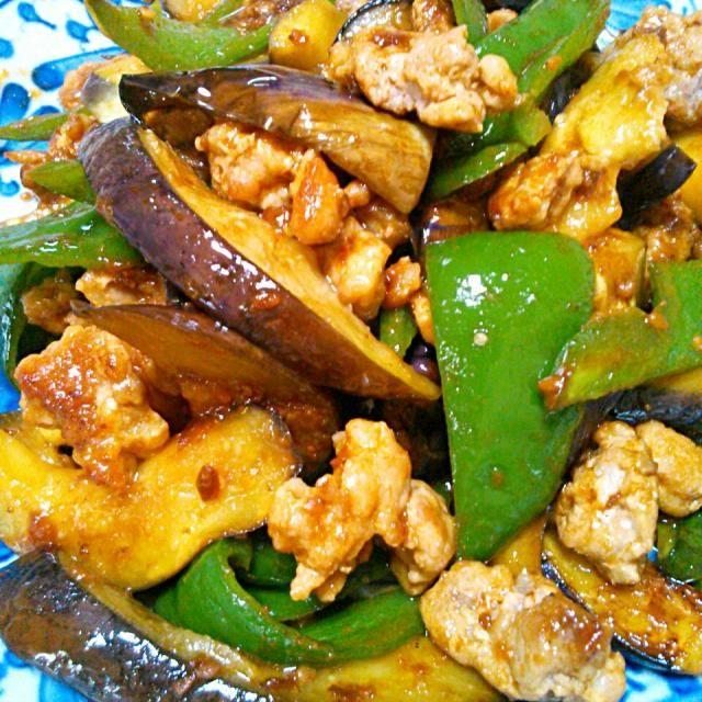 粗挽きミンチ肉で食べ応えアップ!(^_^)v - 24件のもぐもぐ - ナスとピーマンの肉味噌炒め by エツ次郎