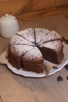 Découvrez la recette Le gâteau au chocolat de ma grand'mère sur cuisineactuelle.fr.