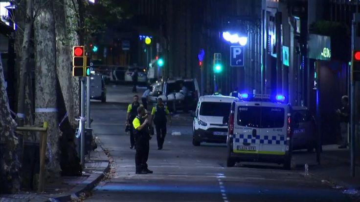 #Terrorismo Golpe de terrorismo a Barcelona: 13 muertos y centenar de heridos: En España, un ataque en una zona turística de la ciudad de…