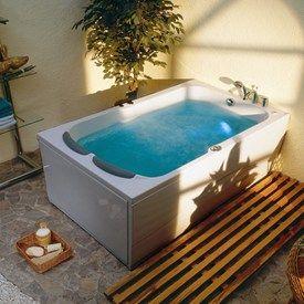 Victory Madeira 190 -badekar til to personer. http://www.spacenteret.dk/product/victory-madera-190-badekar-113/