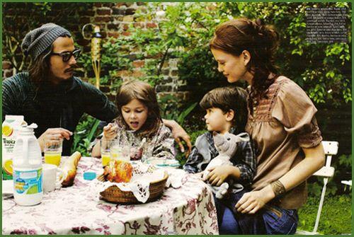 JD: Johnny Depp, Life, Posts, Vanessa Paradis, Depp Family, Celebrities, Families, Family Photo, People
