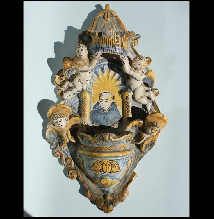 ITALIAN MAIOLICA HOLY WATER FONT 1st HALF 18th CENTURY MAJOLICA WEIHWASSERBECKEN