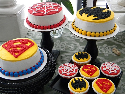 3 friends shared a birthday party, a superhero for each!