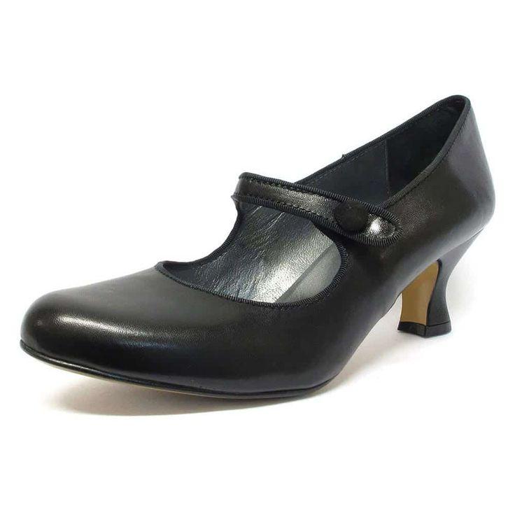 #trotteurs  #chaussure  #chaussurefemme  #grandetaille  #grandepointure  #femme  #mode  #gay #travesti  #femmes  #detente  #confort  #trotteurs  #talonhaut  #talonplat