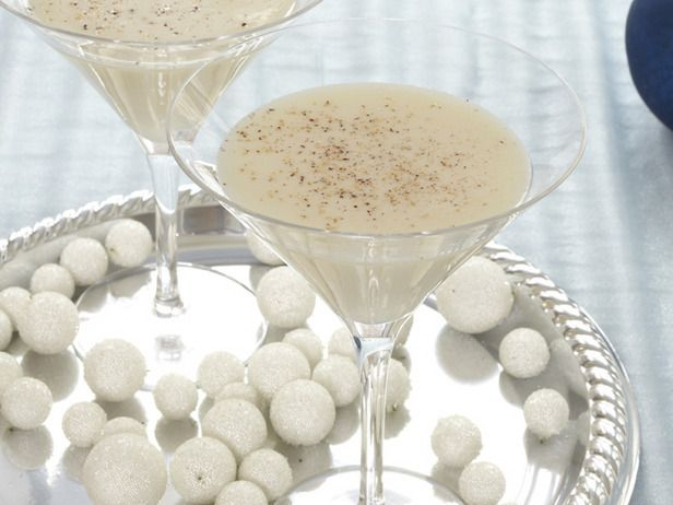 Maple Butter Kiss  Butterscotch schnapps and real maple syrup give this drink its sweet finish.: Food Network, Holidays Cocktails, Butter Kiss, Butterscotch Schnapps, Drinks Recipes, Maple Syrup, Maple Butter, Kisses, Kiss Recipes