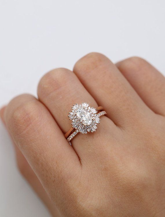 Vintage Engagement Ring Woman Rose Gold Halo Diamond Moissanite Oval