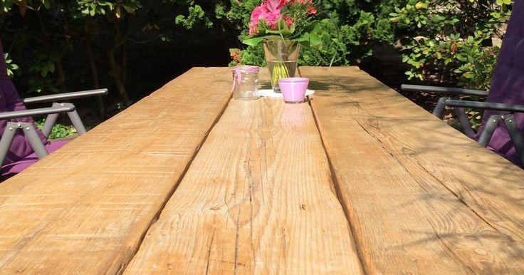 Selbstgebauter Gartentisch Aus Alten Holzbrettern Alten