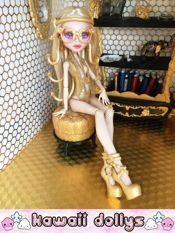 On hold for Viviana: Donatella Versayce Custom par KawaiiDollys