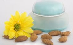 Κρέμα προσώπου με αμυγδαλέλαιο - Φτιάξτε με τα χεράκια σας μία παλιά «συνταγή του Γαληνού»