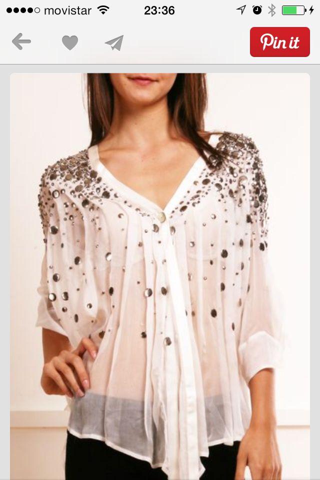 Blusa de seda con piedreria