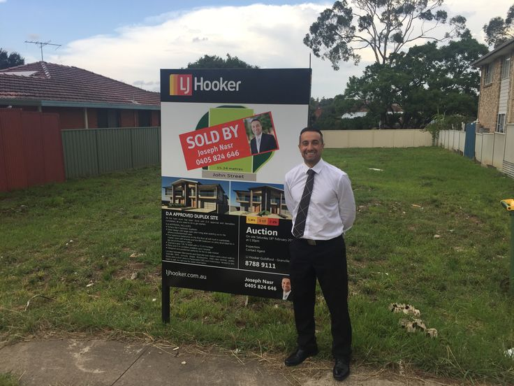 My first auction for 2017 at 96 John St Merrylands  and it's #SOLD #ljhookerguildford #ljhookergranville #morepropertiesneeded #thankyoumrhooker #realestate #realestateagent #letmesellyourhome #justsold #sydneypropertymarket #auction #josephnasr