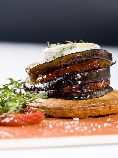 Tartelette d'aubergine et tomate séchée au Sainte Maure de Touraine