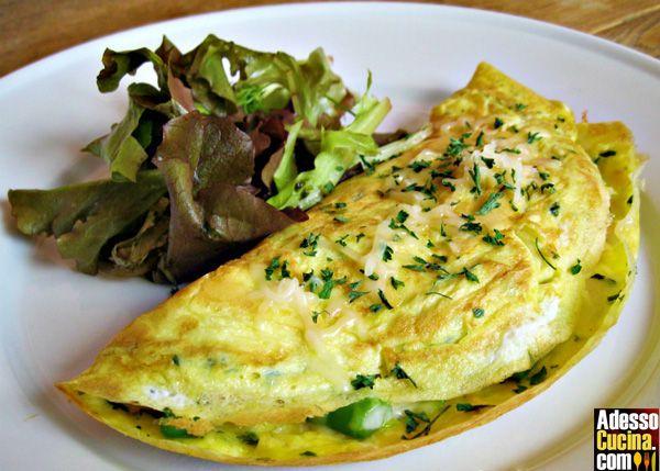 Omelette con asparagi e carciofi - Ricetta su AdessoCucina.com