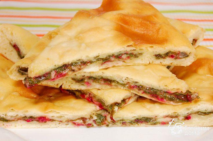 Осетинский пирог с сыром и свекольной ботвой - Рецепт с фото на Готовим дома