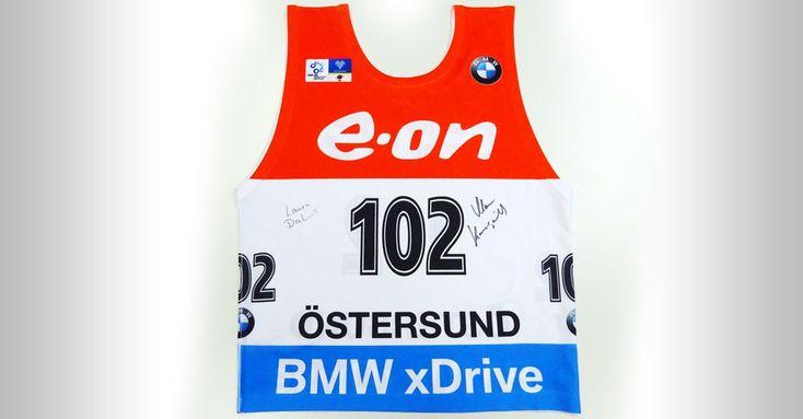 Von Olympia-Goldhoffnung Laura Dahlmeier signierte Startnummer & Startaufkleber - http://www.spassmarktplatz.de/charity-auktion/von-olympia-goldhoffnung-laura-dahlmeier-signierte-startnummer-startaufkleber/