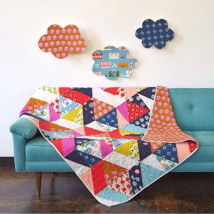 My Picnic quilt and free pattern are on the new @cottonandsteel blog (link in c+s profile). #cottonandsteel #picnicfabric