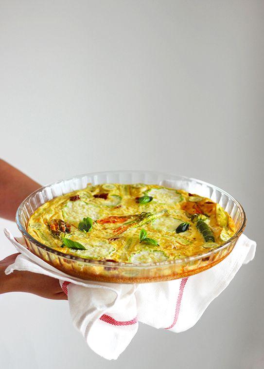 burczymiwbrzuchu: Śniadanie do łóżka #150: Pieczony omlet z kwiatami...