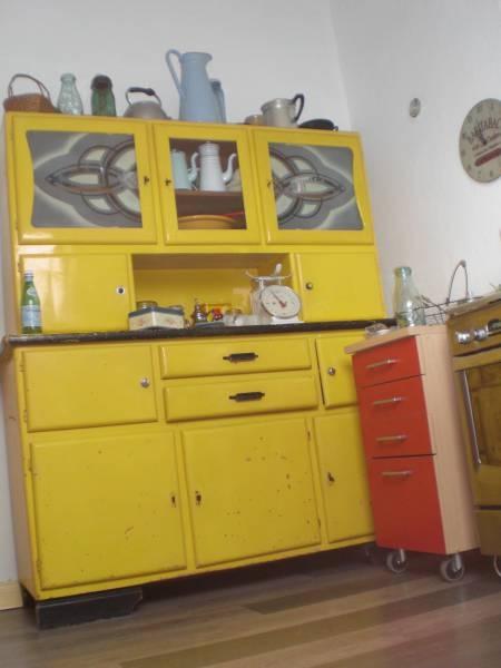 buffet mado jaune