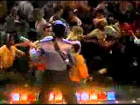 ▶ La Bamba (original version) -   Like a sexy latino Elvis! This song goes through my head ALL. THE. TIME.
