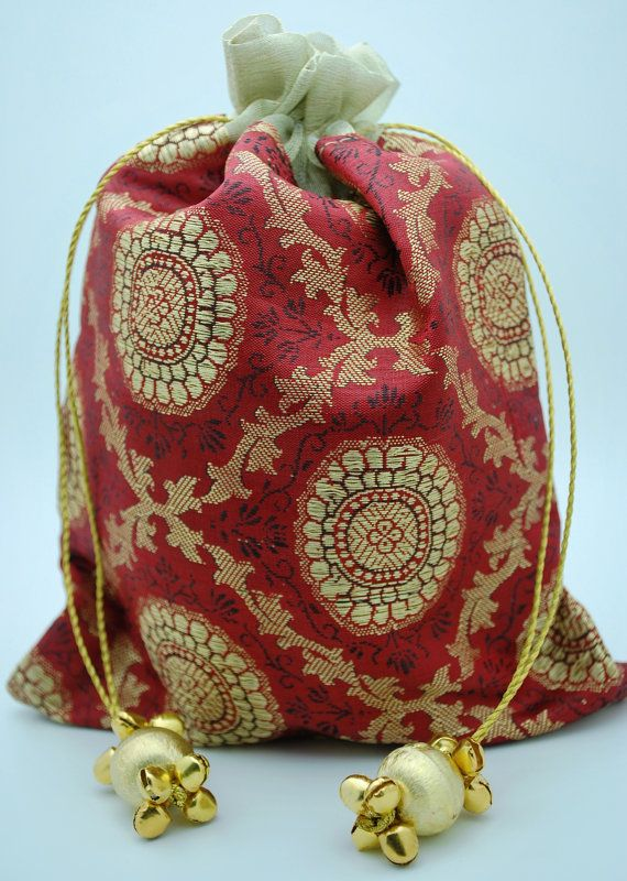 Fabric Tassel Jeweled Red Gold Medallion Brocade Silk Favor Gift Wedding Bag Party Bags Ribbon Pouch Jewelry Bollywood