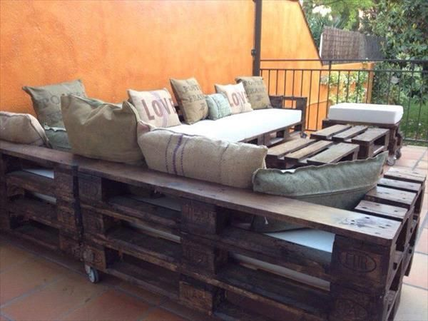 17 best images about wooden furniture on pinterest for Diy pallet outdoor sofa