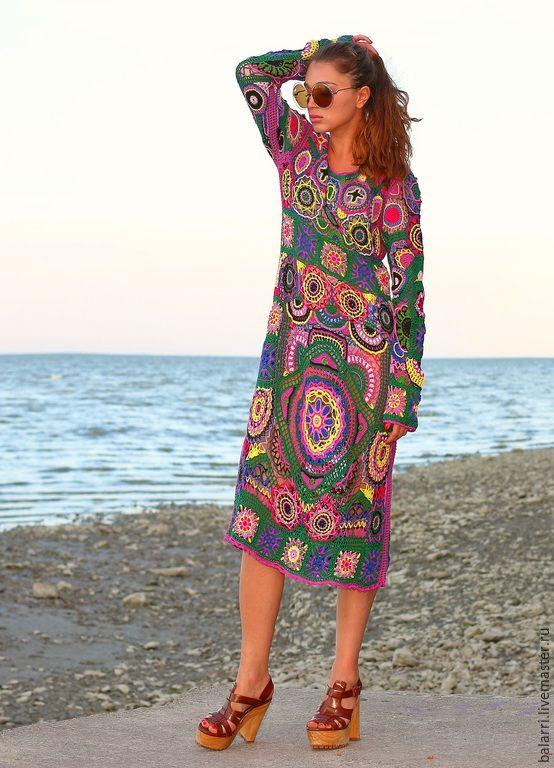 Купить или заказать Платье-хиппи 'Богемия'. в интернет-магазине на Ярмарке Мастеров. Авторское платье 'Богемия' в стиле хиппи связано крючком из 100% хлопка высокого качества, вдохновением послужило бисерное платье из коллекции Emilio Pucci весна-лето 2015. Платье изобилует меланжем ярких оттенков, своеобразными деталями, крупными цветочными орнаментами, богатой фактурой в виде послойного вязания крючком. Каждый новый ряд в элементах - это новый оттенок. Ос…