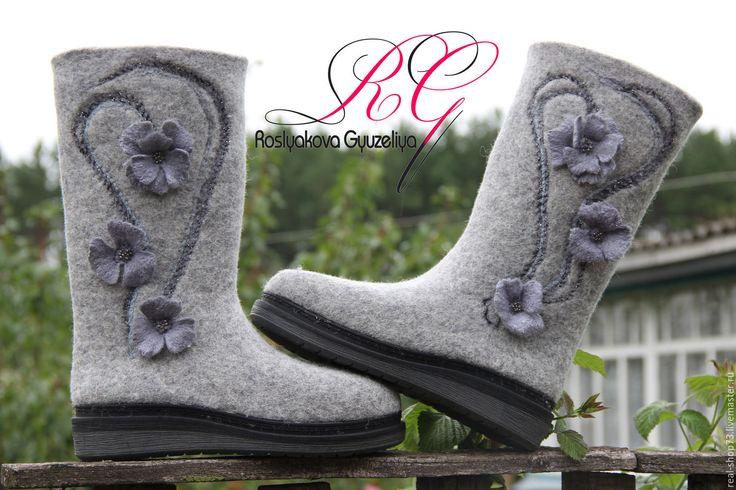 Купить Валяные сапожки с цветочным принтом - серый, бохо, однотонный, обувь ручной работы