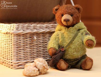 Пряник - мишка Тедди в одежде и с сумкой. Мишка будет представлен на выставке Hello Teddy 2015 (Хеллоу Тедди, ХТ2015)