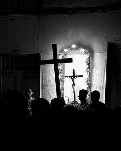 """17 Me gusta, 1 comentarios - byron bermeo (mort) (@byronbermeo) en Instagram: """"Semana santa - - - - - - #cuenca #ecuador #semanasanta #bnw #photography #photooftheday"""""""