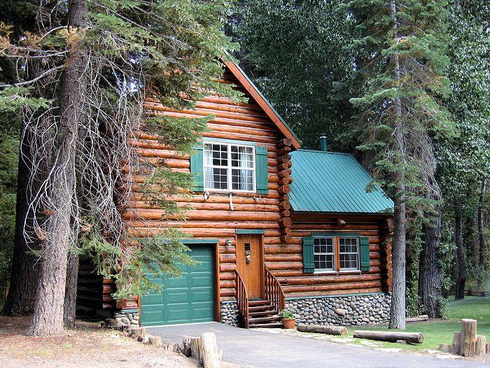 Clyde's Quaint Log Cabin - Vacation Tahoe Rentals