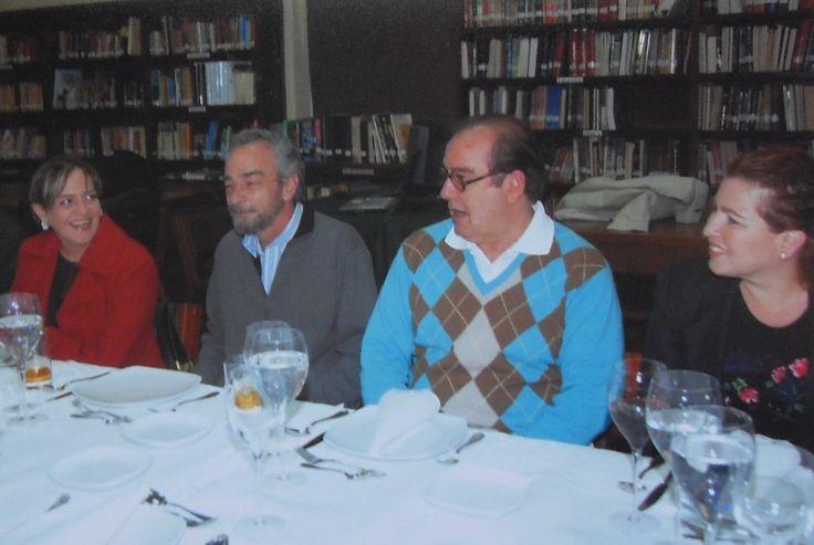 COLEGIO GIMNASIO MODERNO BOGOTÁ D.C., BIBLIOTECA DE LOS FUNDADORES. ENTRE OTROS PAULA GONZÁLEZ DE VELASCO Y FRANCISCO VELASCO.