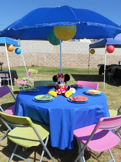 Hostess with the Mostess® - Reese's Clubhouse featuring Mickey Mouse