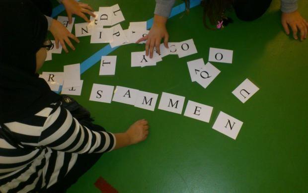 Stavning og bevægelse | EMU Danmarks læringsportal