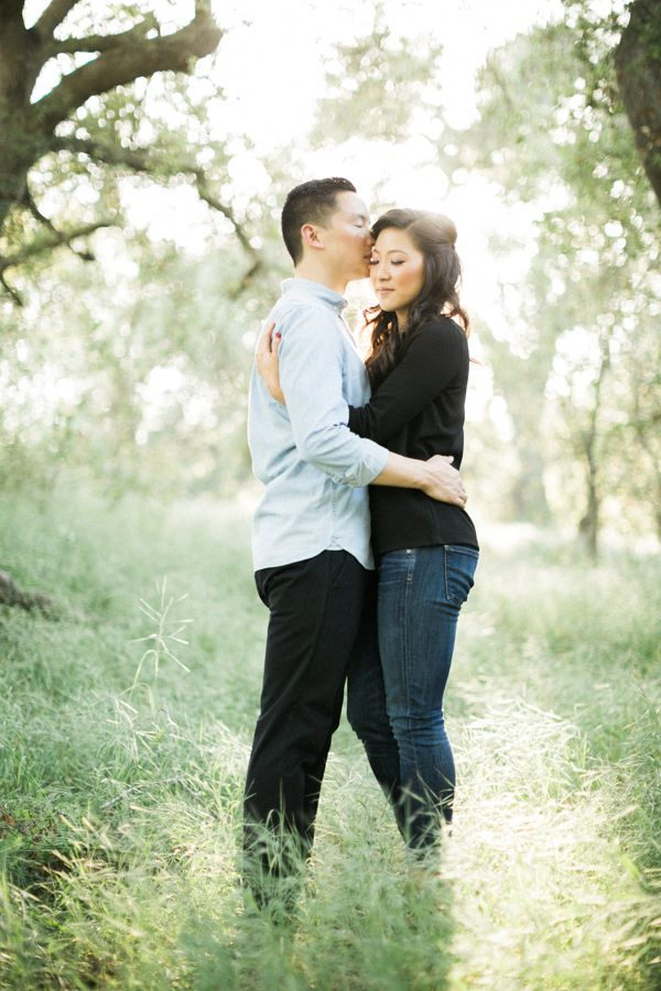 Sun drenched engagement session at Wileyu0027s Wilderness