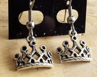 Crown earrings silver color with surgical steel hooks
