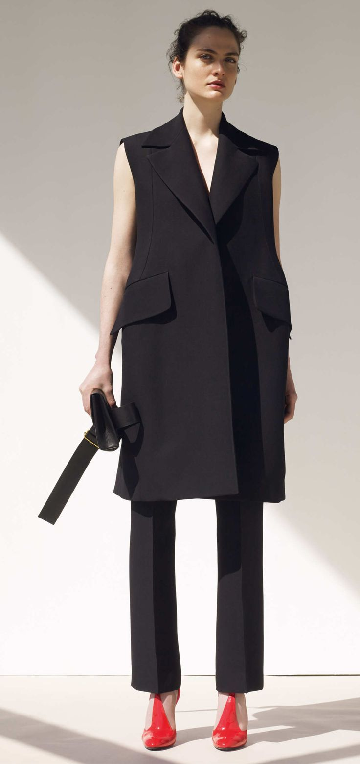 View the Celine Resort 2015 collection. See photos and video of the R2015 runway show. Céline
