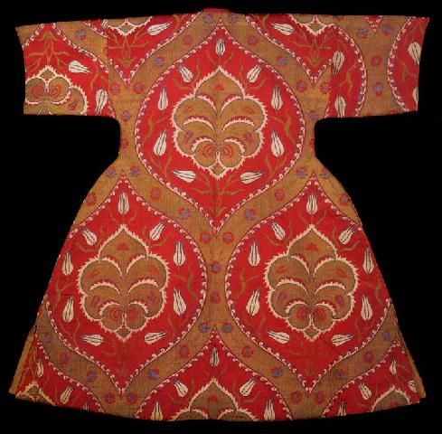 Caftan with short sleeves (back) from the tomb of Ahmet I, end of the 16th Century
