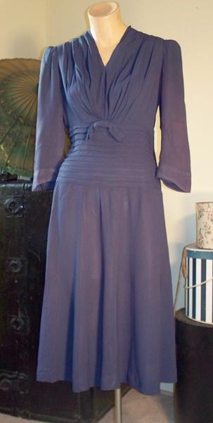 Dandelion Vintage, Vintage 1940s clothing, 1940s dress, page 4