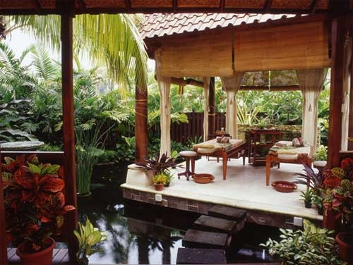 Balinese decor - I love the water all around!