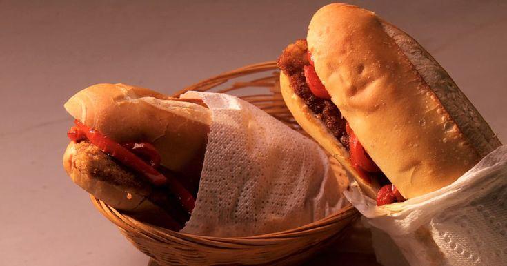 Découvrez cette recette de Panini à l'escalope de veau pour 4 personnes, vous adorerez!
