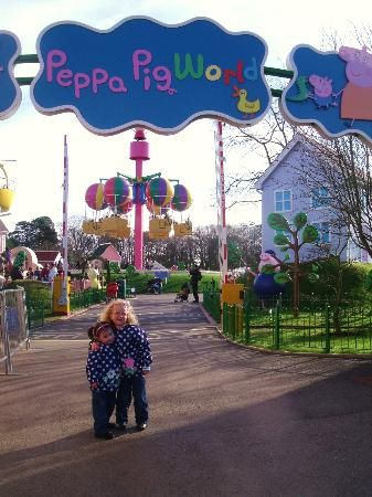 My Lana LOVES Peppa pig and would be in awe! Paultons Park, Home of Peppa Pig World #kids #family
