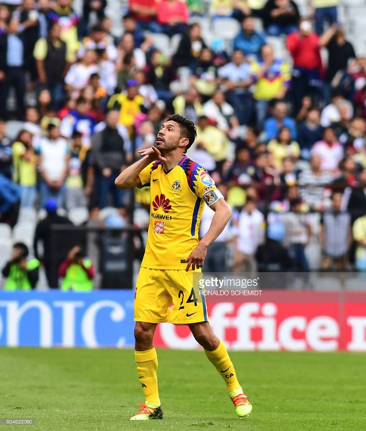 America´s Oribe Peralta celebrates his goal against Pachuca during their Mexican Clausura 2018 tournament football match at the Azteca stadium in Mexico City, on January 13, 2018. /