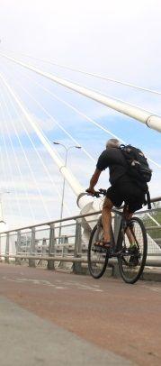 Policzyli rowerzystów. Najwięcej na Ochocie i moście Świętokrzyskim. http://tvnwarszawa.tvn24.pl/informacje,news,policzyli-rowerzystow-najwiecej-na-ochocie-i-moscie-swietokrzyskim,174616.html