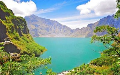 Mount Pinatubo is an active stratovolcano located on the island of Luzon, at the intersection of the borders of the Philippine provinces of Zambales, Tarlac, and Pampanga.