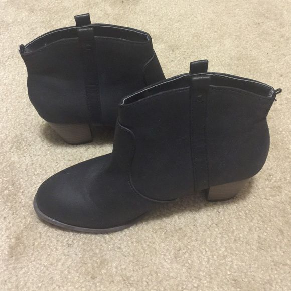 Western style black Old Navy ankle boots Black size 7, NEW without tags Old Navy Shoes Ankle Boots & Booties