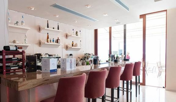 MNISTIRES Bar & Restaurant