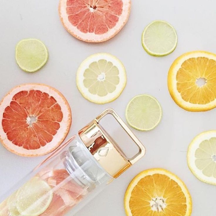 C is for COLLAGEN 🍋🍊 Vitamin C is a water soluble vitamin, which is essential for collagen formation. Choose @faceofsilk ✔️ Infuse your skin with light #hydratreat3 #glowingskin #beauty #onlinesoon • 316 likes