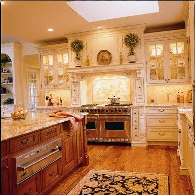kitchen: Dream House, Range Hoods, Country Kitchen, Quintessential Manor, Kitchen Design, Kitchen Ideas, Manor Houses, Dream Kitchens
