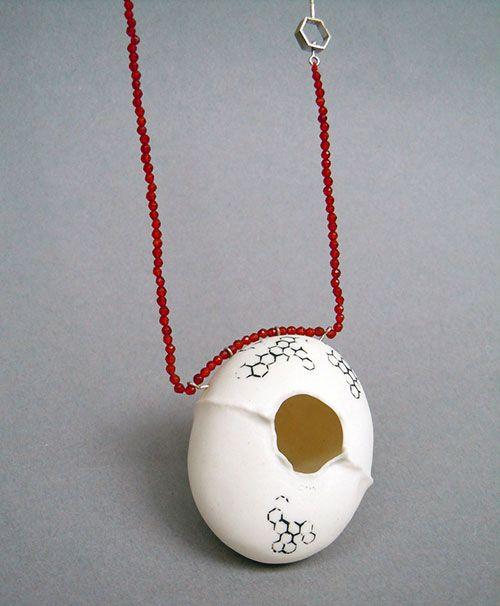 Andrea Nabholz García  Necklace: Hex 7 serie 2010  Porcelain, silver